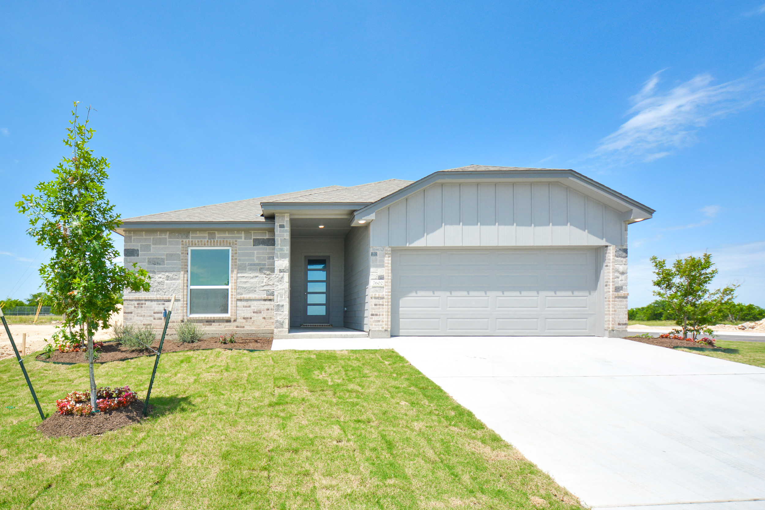 DB Fuller building homes in Central Texas - this is a model home of Purvis